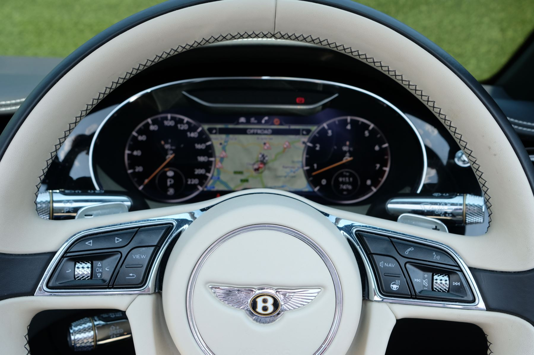 Bentley Continental GTC 6.0 W12 - Mulliner Driving Specification and Centenary Specification image 14