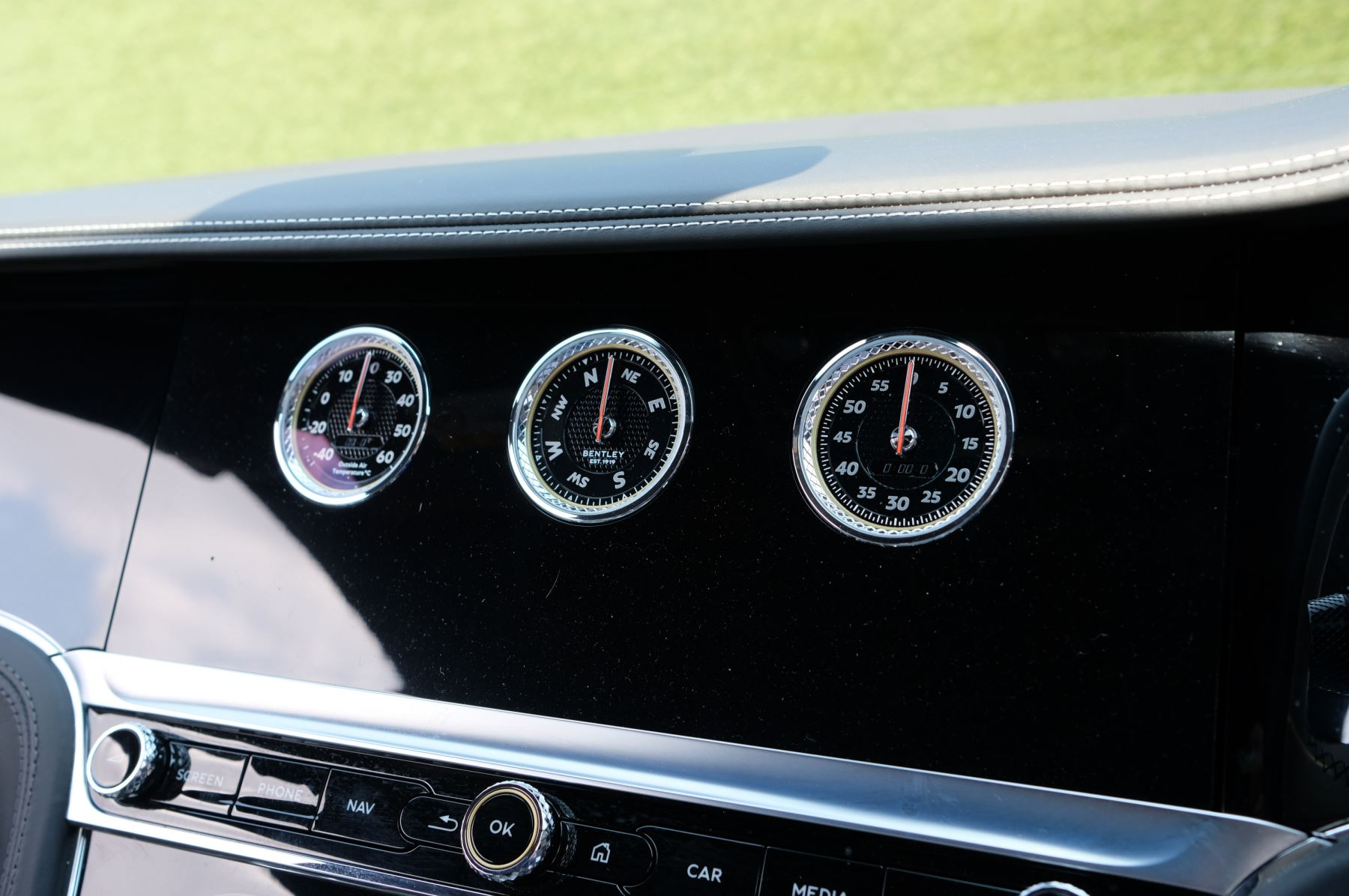 Bentley Continental GTC 6.0 W12 - Mulliner Driving Specification and Centenary Specification image 23