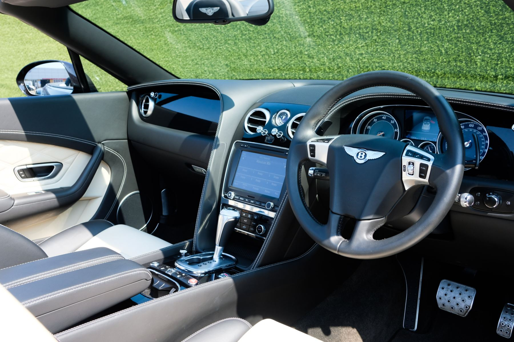 Bentley Continental GTC 4.0 V8 S - Mulliner Driving Specification image 11