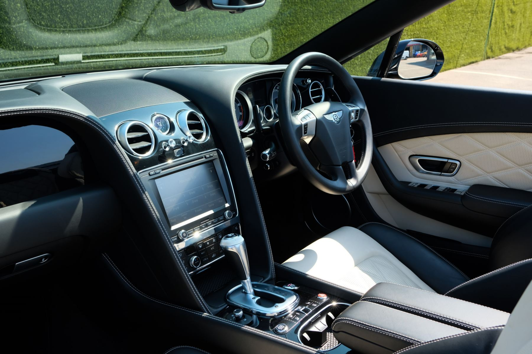 Bentley Continental GTC 4.0 V8 S - Mulliner Driving Specification image 10