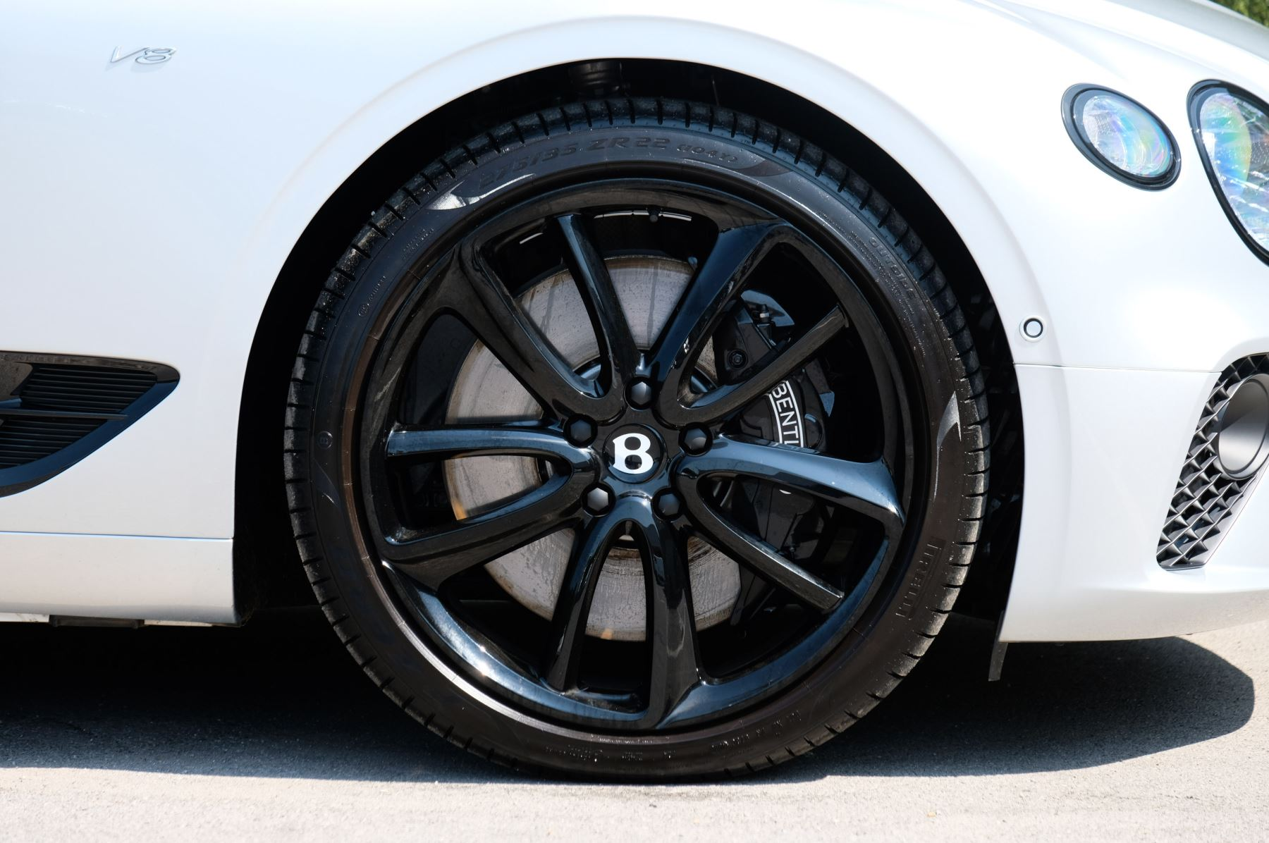 Bentley Continental GTC 4.0 V8 - Mulliner Driving Specification and Blackline Specification with 22 Inch Alloys image 9