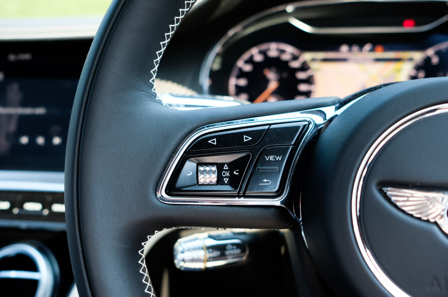Bentley Continental GTC 4.0 V8 - Mulliner Driving Specification and Blackline Specification with 22 Inch Alloys image 18