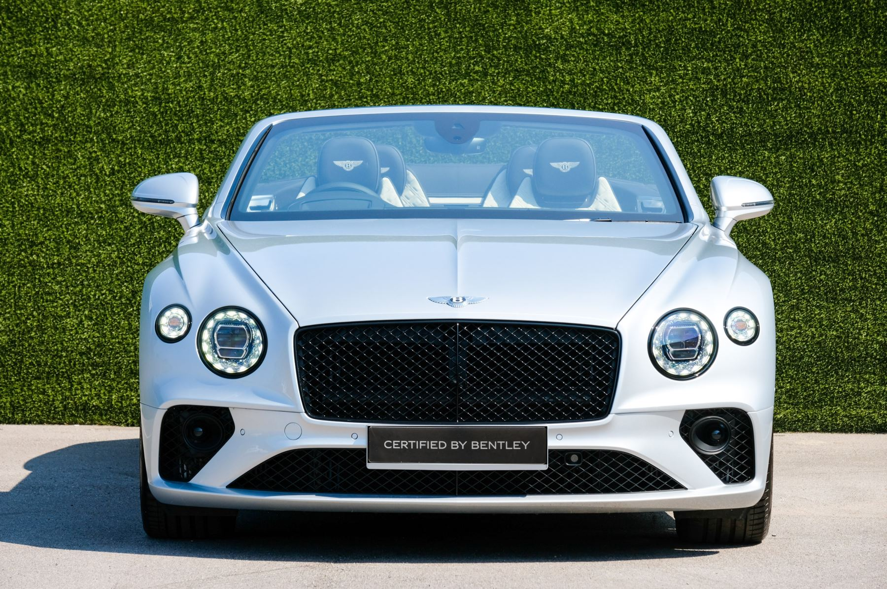 Bentley Continental GTC 4.0 V8 - Mulliner Driving Specification and Blackline Specification with 22 Inch Alloys image 2