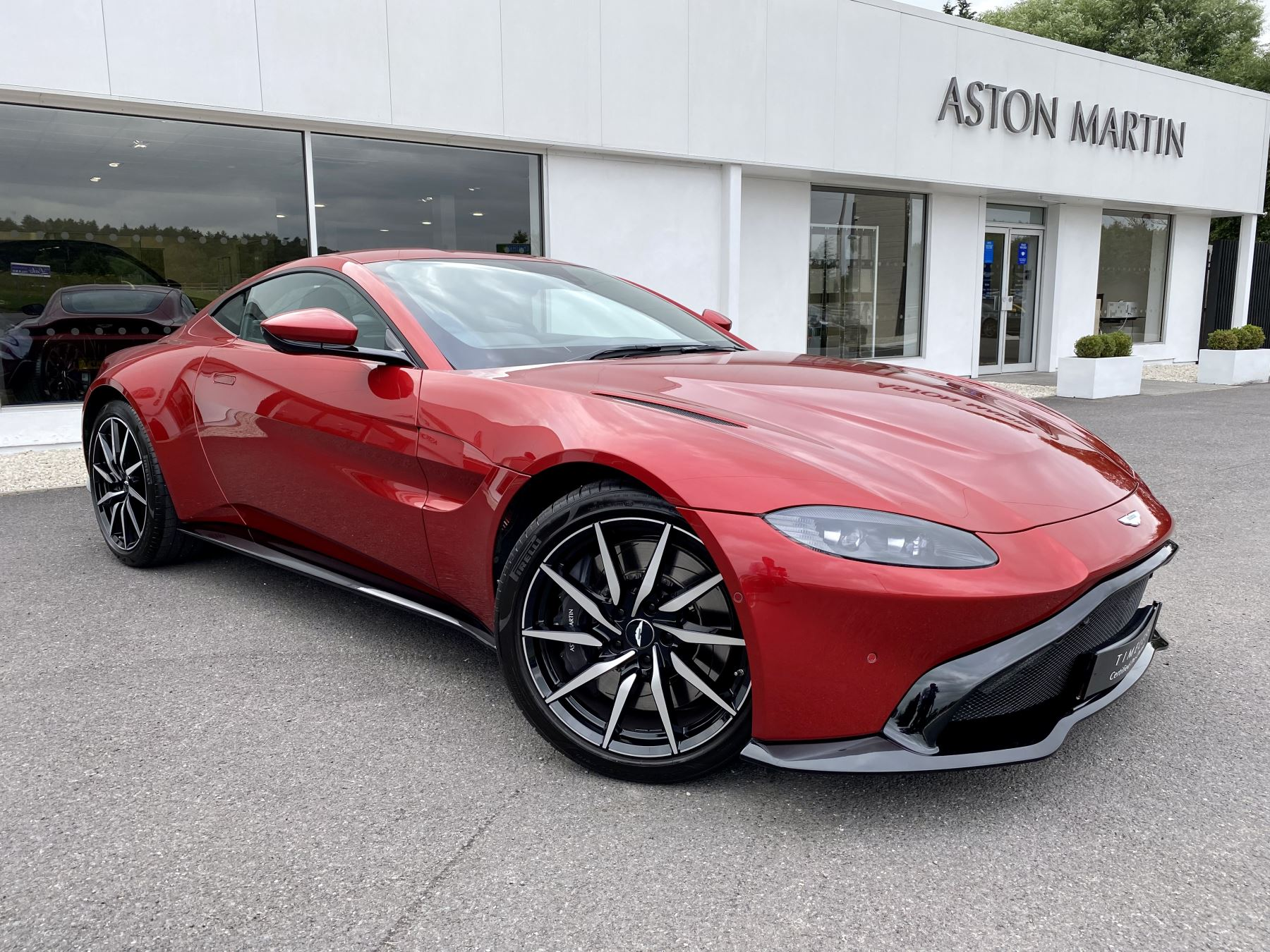 Aston Martin V8 Vantage Coupe 2dr ZF 8 Speed Auto. 4.0 Twin Turbo ZF Gearbox  Reversing Camera Heated Seats  Automatic 3 door Coupe (2019) image