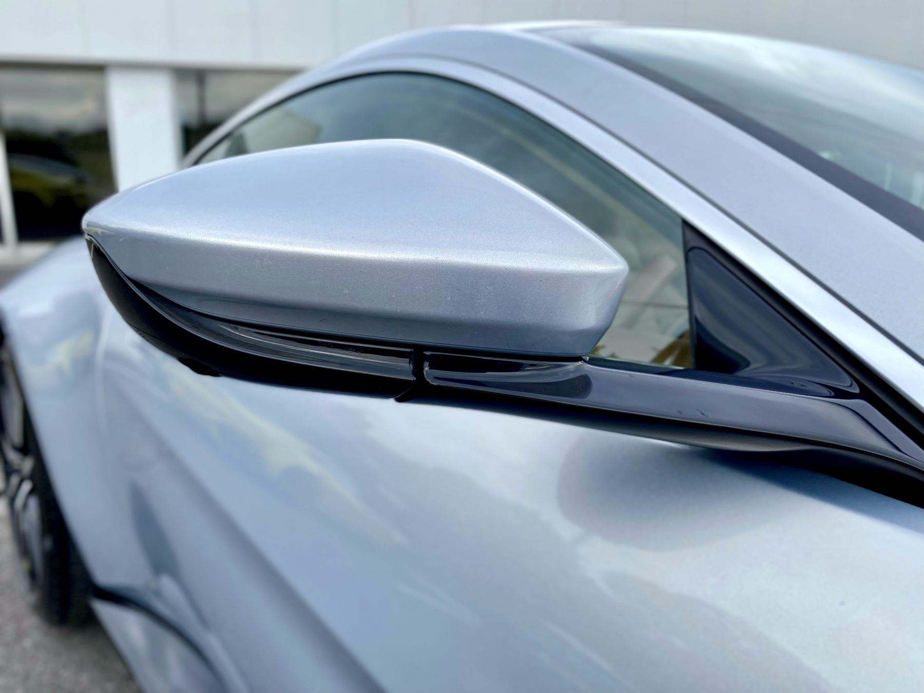 Aston Martin New Vantage 2dr ZF 8 Speed reversing camera . Heated & ventilated seats . Sports pplus seats .  image 10