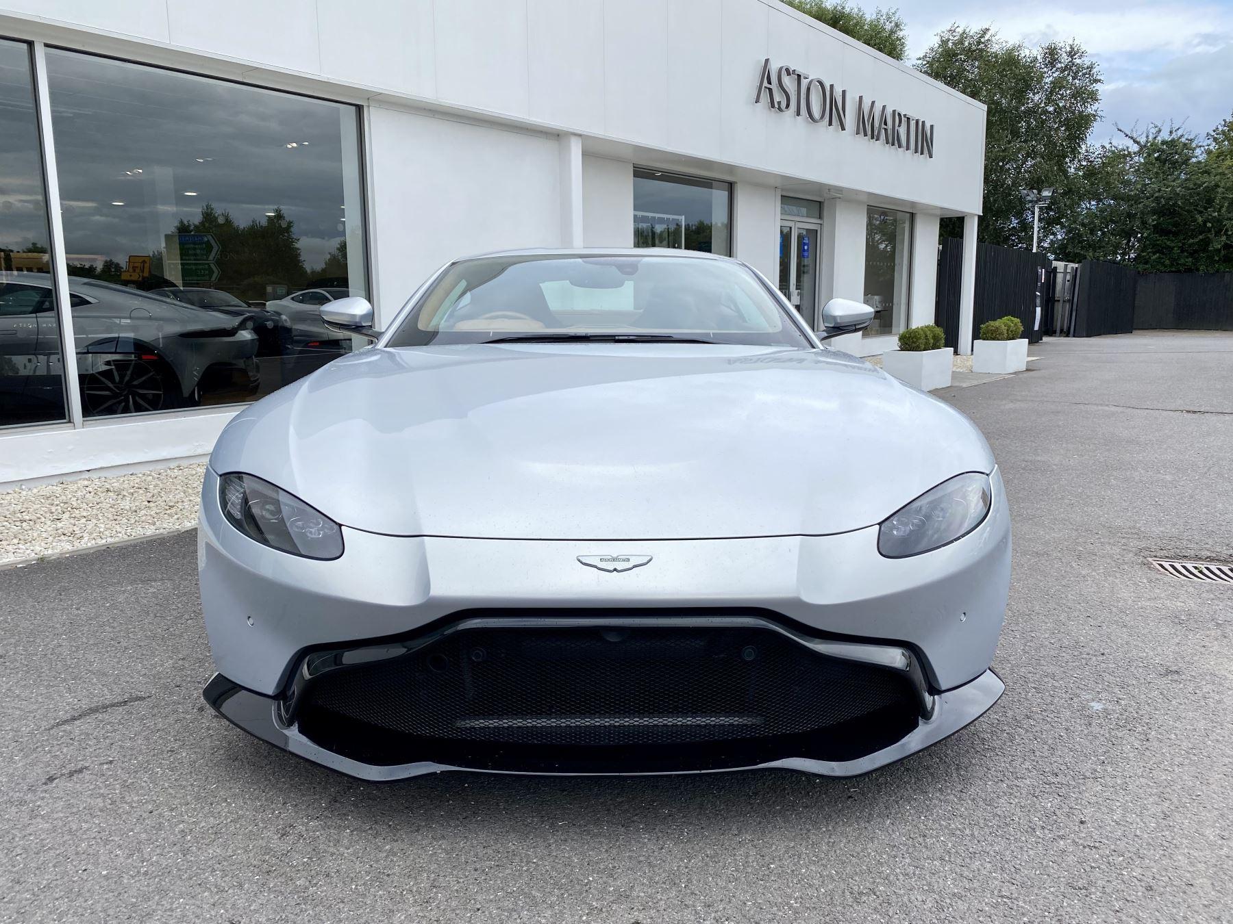 Aston Martin New Vantage 2dr ZF 8 Speed reversing camera . Heated & ventilated seats . Sports pplus seats .  image 2