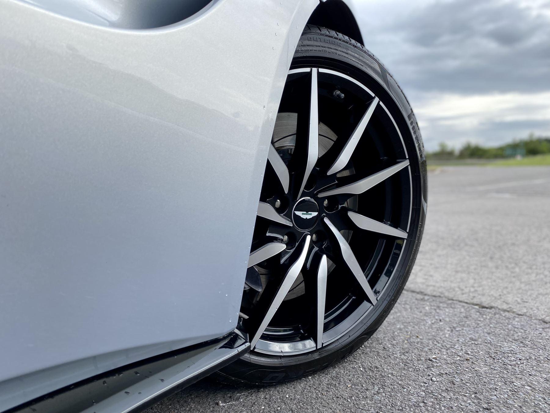 Aston Martin New Vantage 2dr ZF 8 Speed reversing camera . Heated & ventilated seats . Sports pplus seats .  image 11