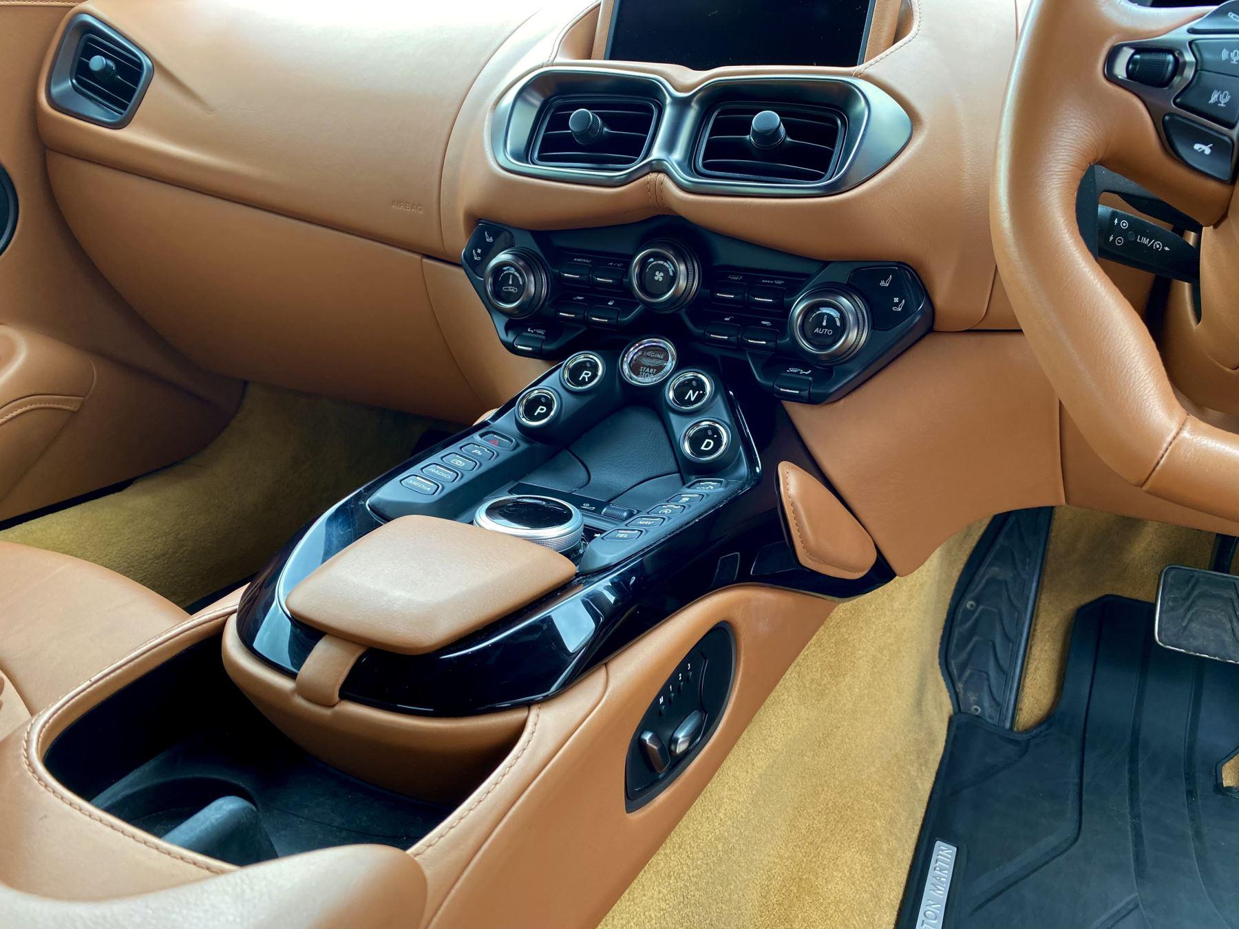 Aston Martin New Vantage 2dr ZF 8 Speed reversing camera . Heated & ventilated seats . Sports pplus seats .  image 24