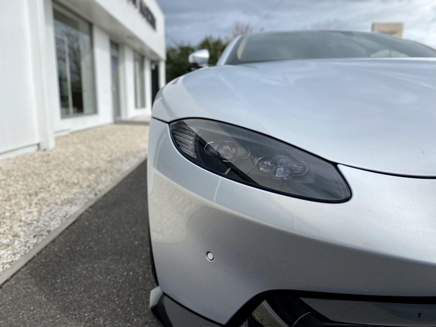 Aston Martin New Vantage 2dr ZF 8 Speed reversing camera . Heated & ventilated seats . Sports pplus seats .  image 14
