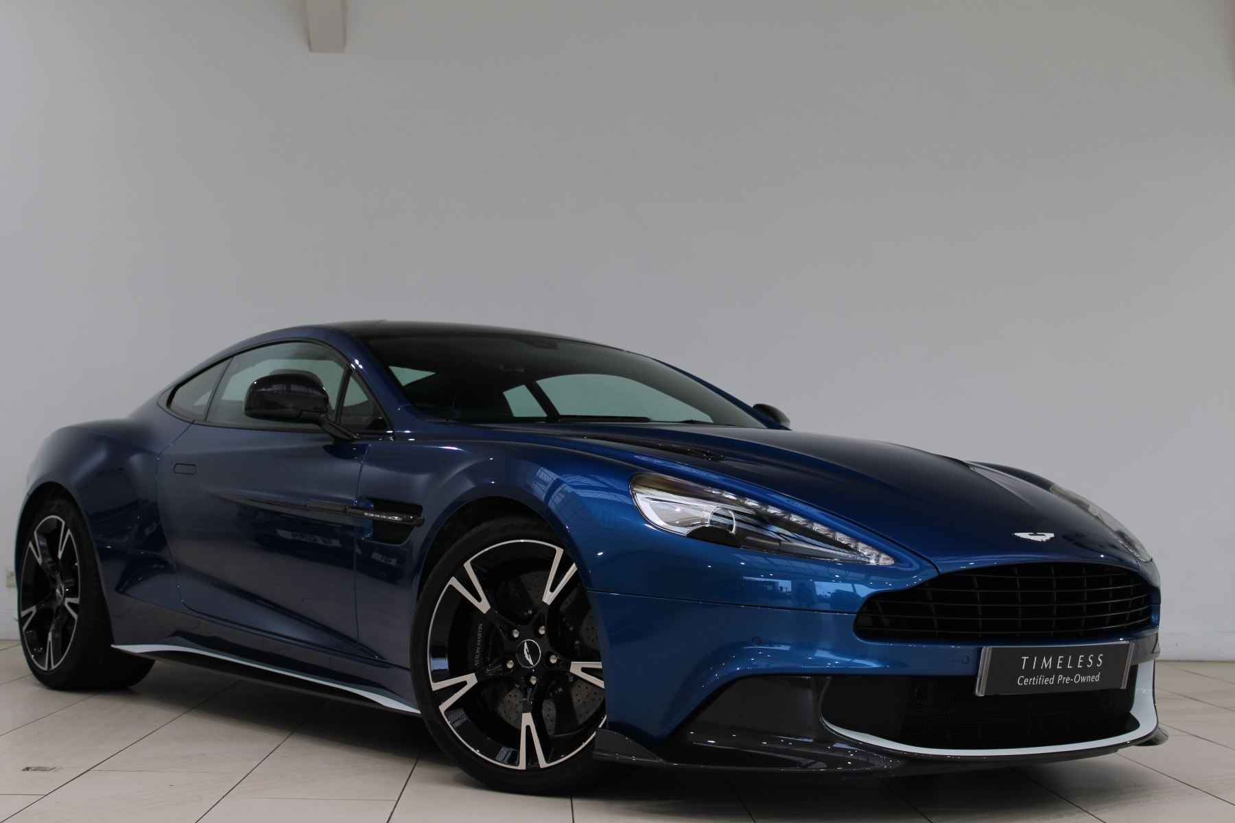 Aston Martin Vanquish V12 [595] S 2+2 Touchtronic Graphics Pack 5935.0 Automatic 2 door Coupe
