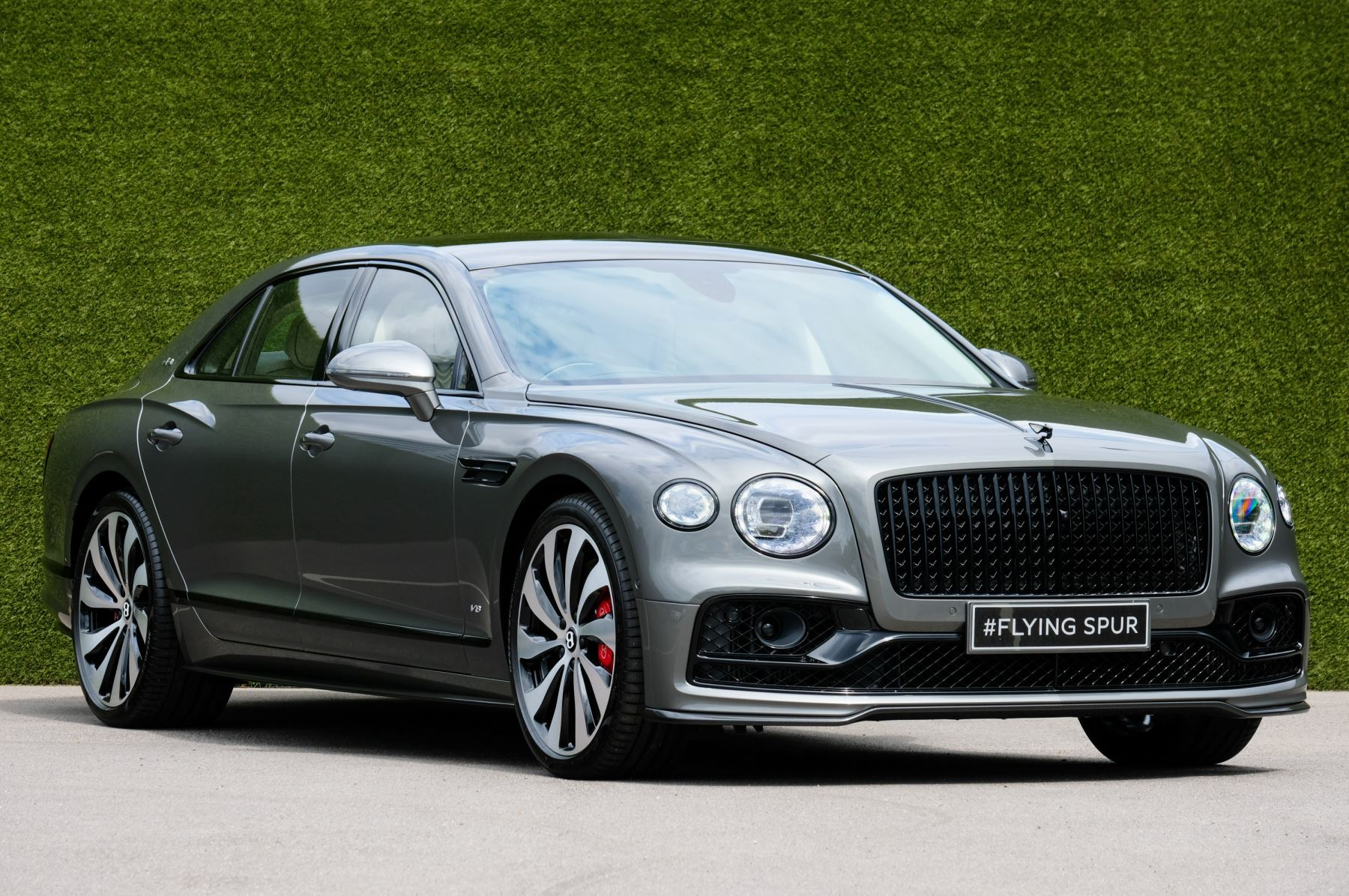 Bentley Flying Spur 4.0 V8 - Mulliner Driving Specification with Black Painted and Bright Machined Wheels Automatic 4 door Saloon (2021) image