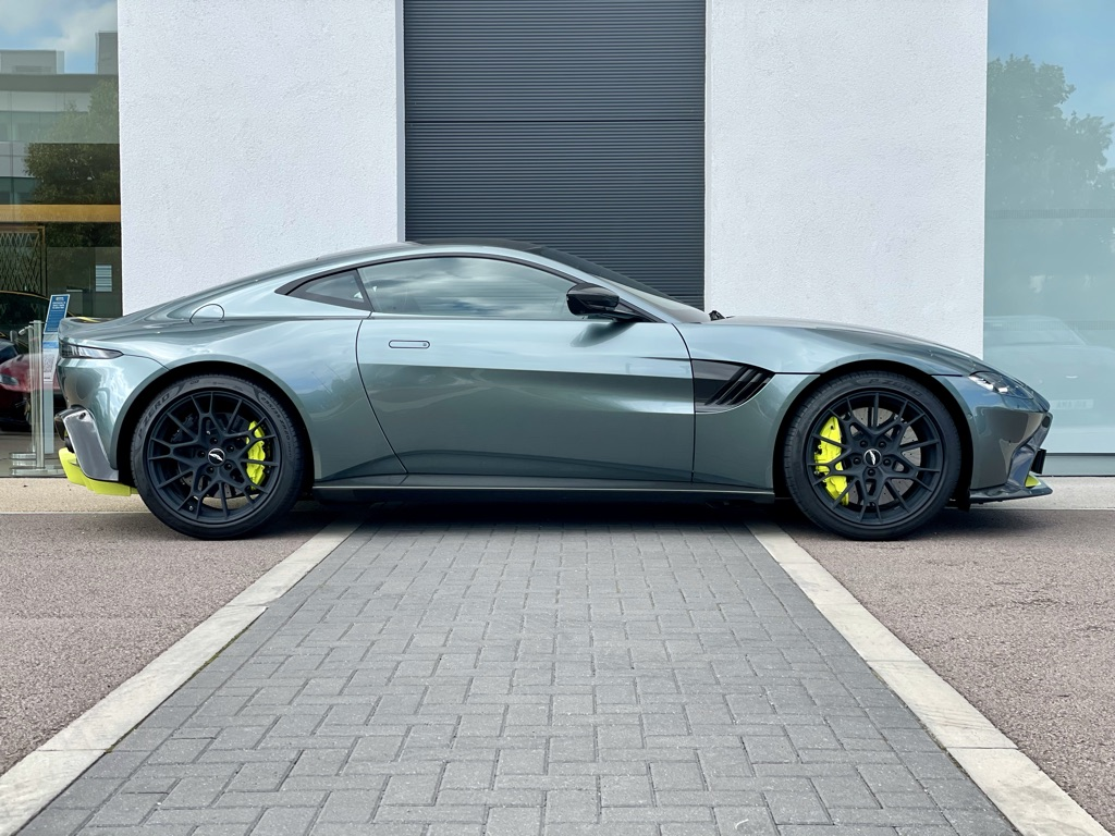 Aston Martin New Vantage AMR 59 Edition 2dr image 4