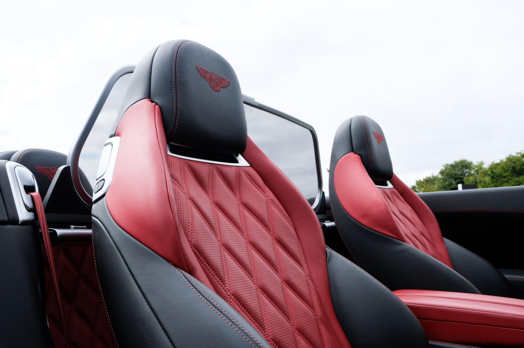 Bentley Continental GTC 6.0 W12 Speed - Massage Seats & Ventilation - Neck Warmer - Rear View Camera image 13