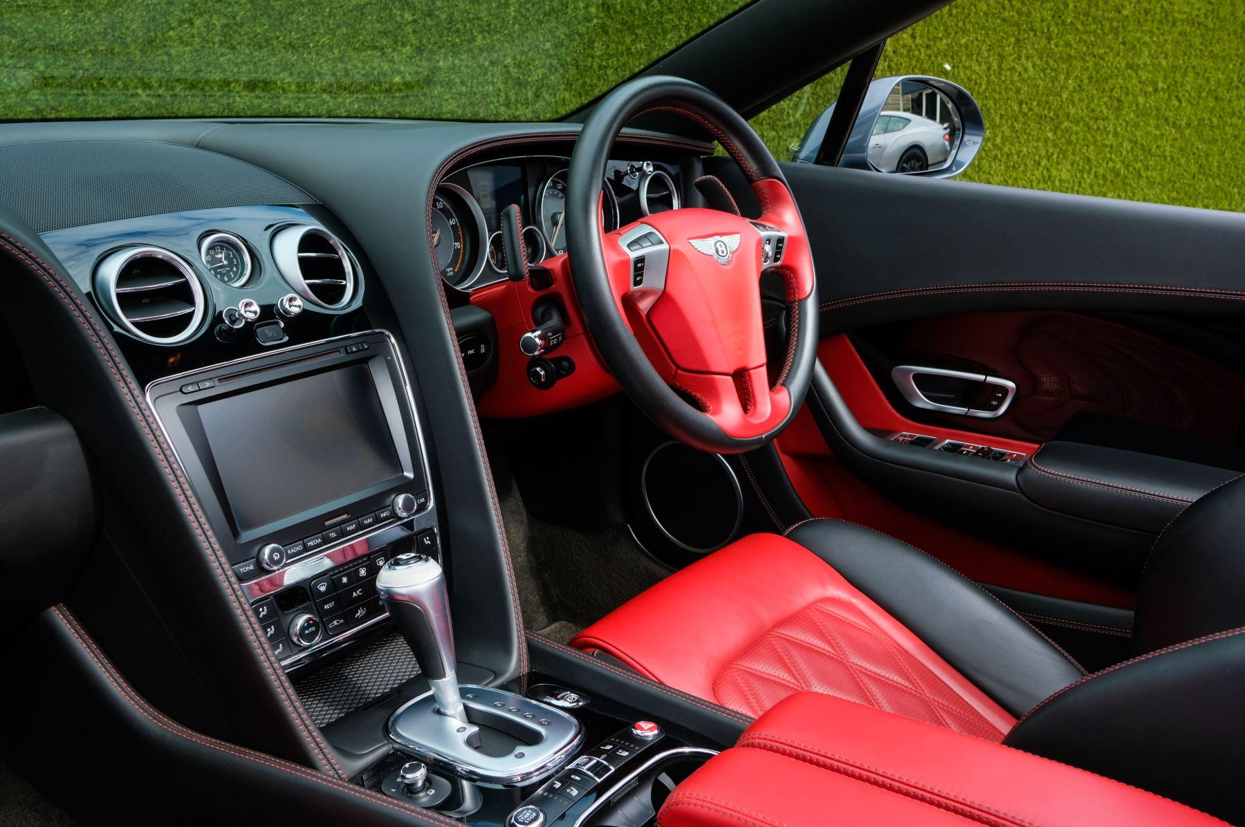 Bentley Continental GTC 6.0 W12 Speed - Massage Seats & Ventilation - Neck Warmer - Rear View Camera image 10