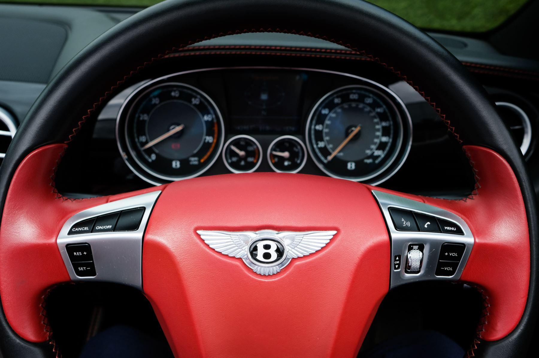 Bentley Continental GTC 6.0 W12 Speed - Massage Seats & Ventilation - Neck Warmer - Rear View Camera image 17
