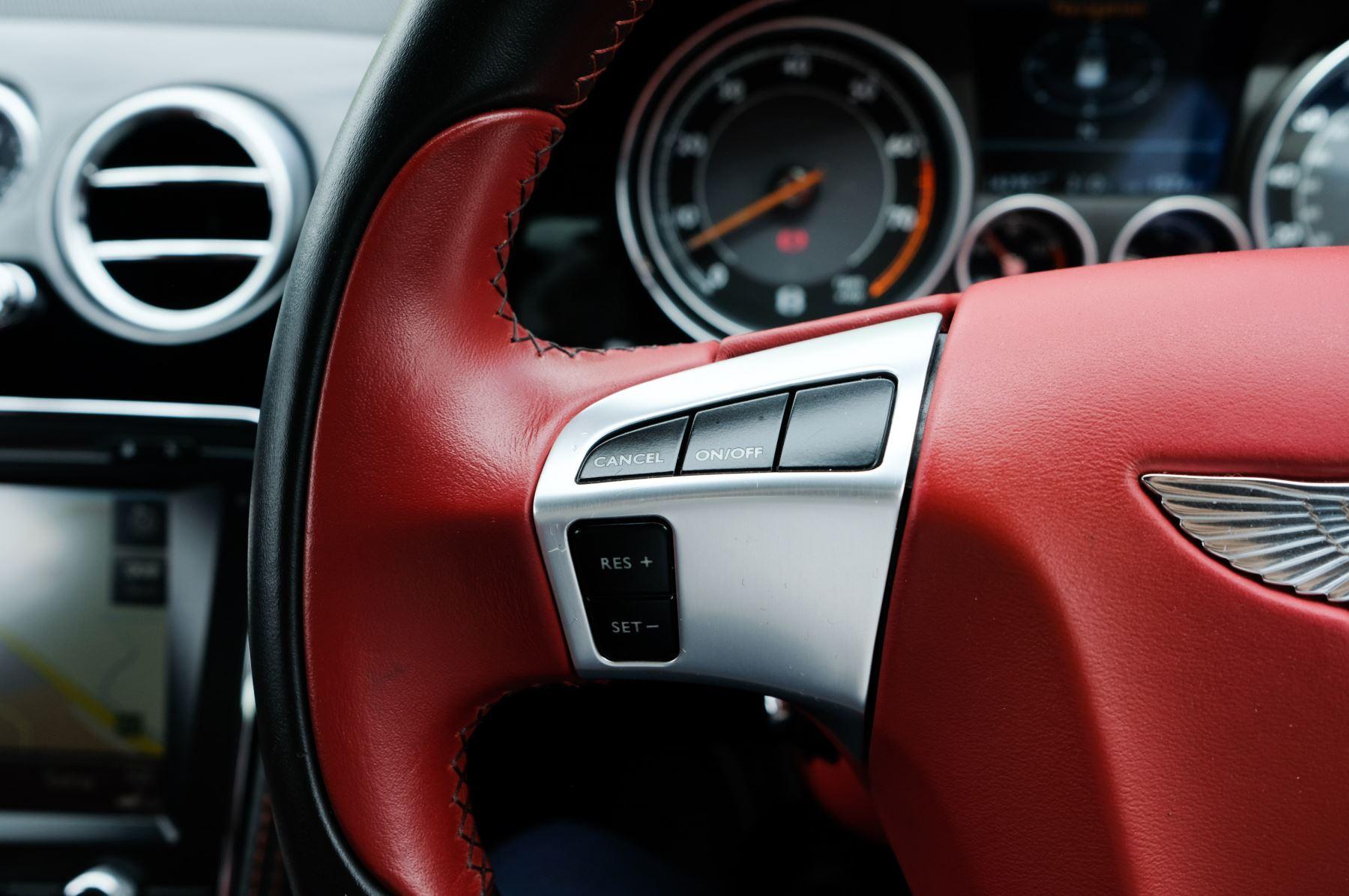 Bentley Continental GTC 6.0 W12 Speed - Massage Seats & Ventilation - Neck Warmer - Rear View Camera image 24