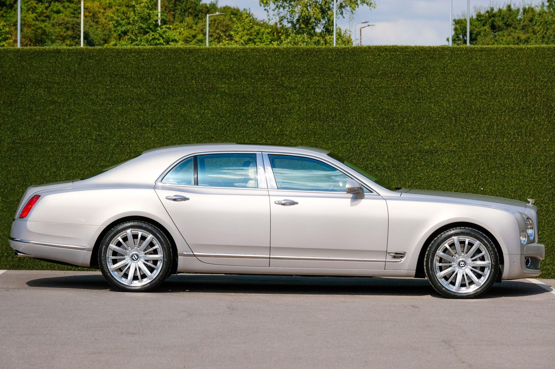 Bentley Mulsanne 6.8 V8 Mulliner Driving Spec - Naim For Bentley Premium Audio image 3