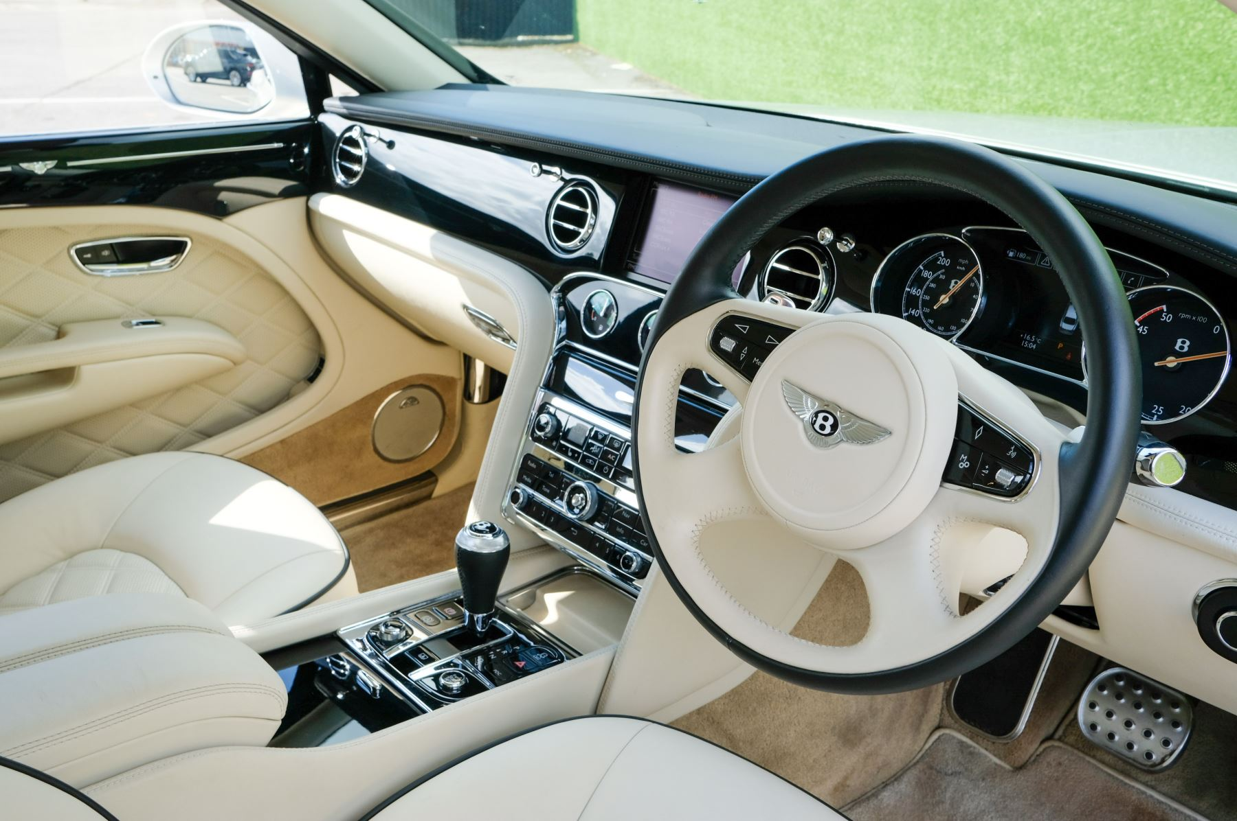 Bentley Mulsanne 6.8 V8 Mulliner Driving Spec - Naim For Bentley Premium Audio image 13