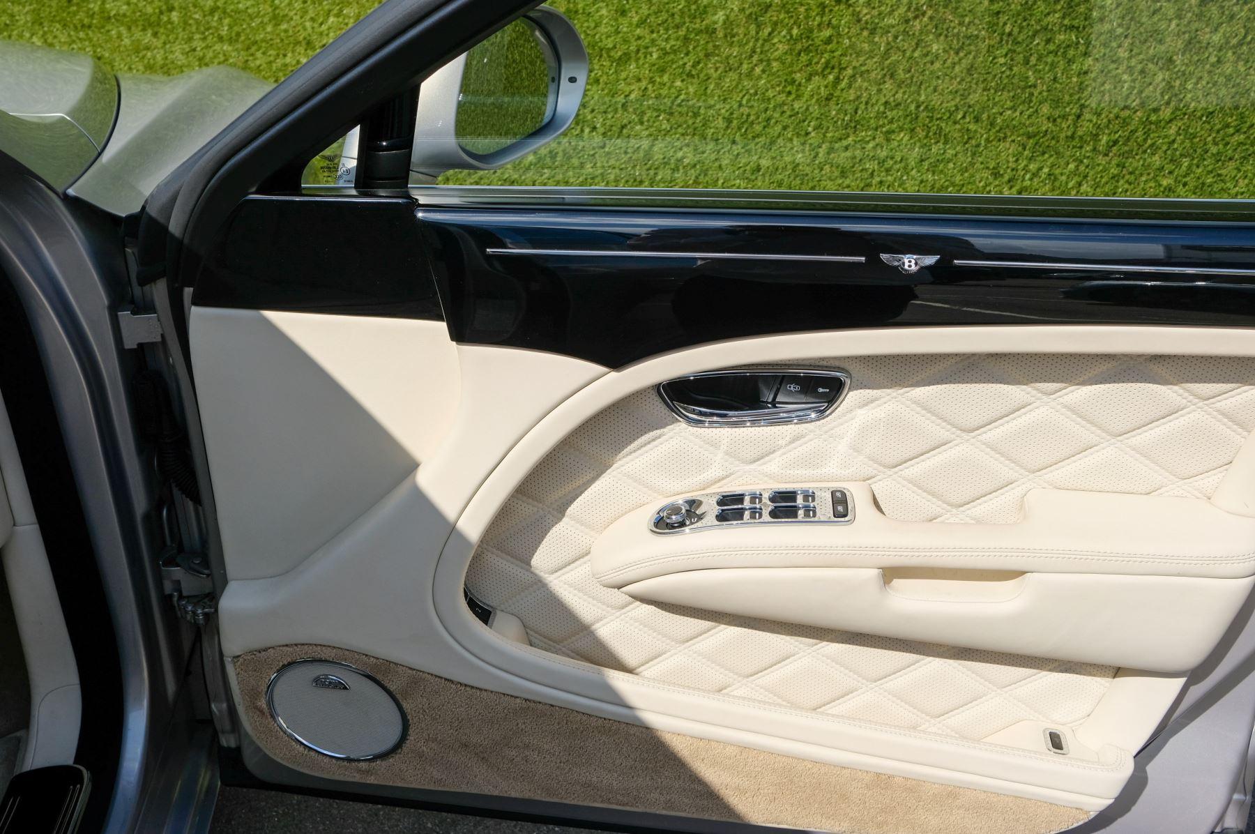 Bentley Mulsanne 6.8 V8 Mulliner Driving Spec - Naim For Bentley Premium Audio image 18