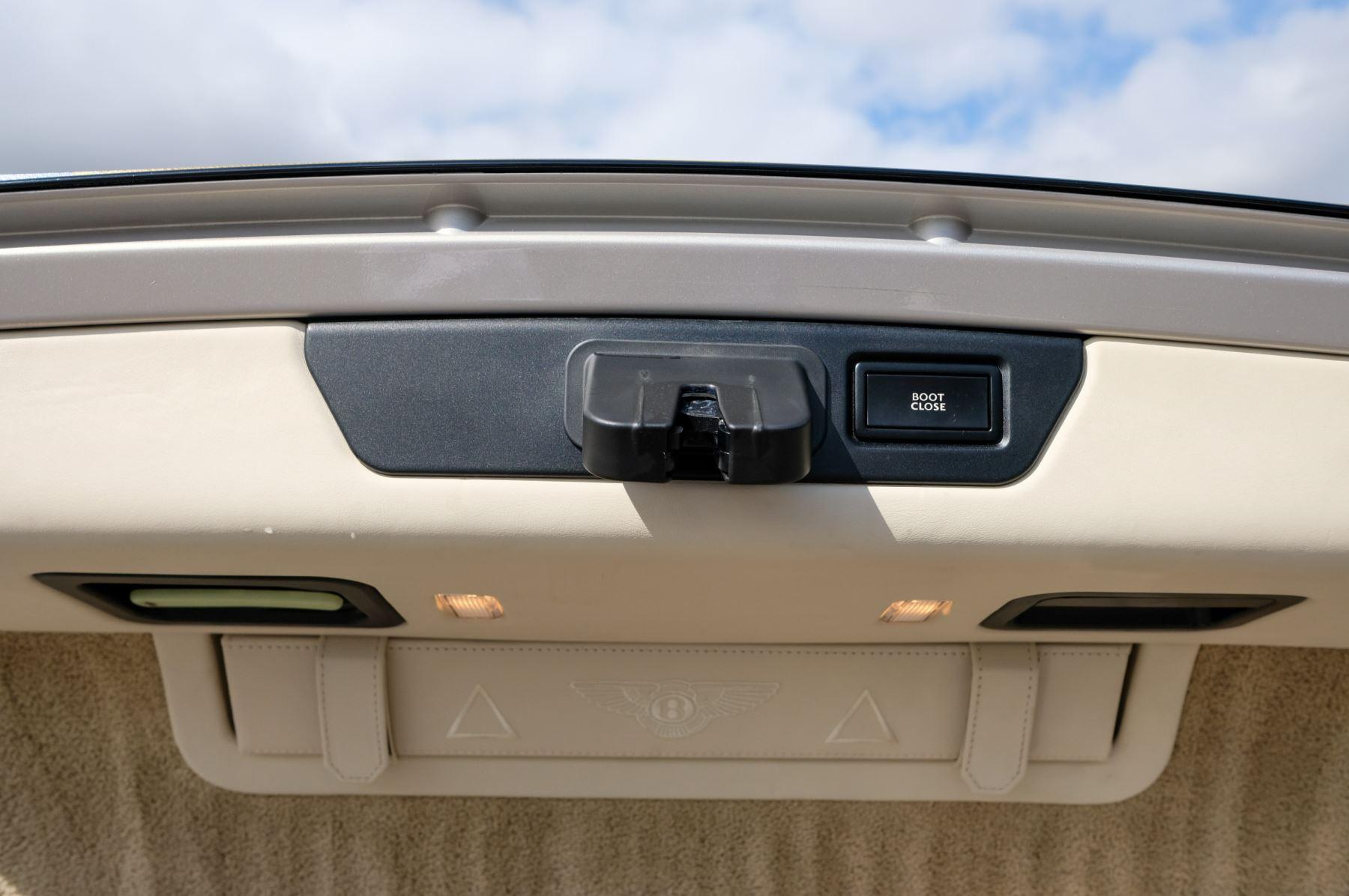 Bentley Mulsanne 6.8 V8 Mulliner Driving Spec - Naim For Bentley Premium Audio image 10