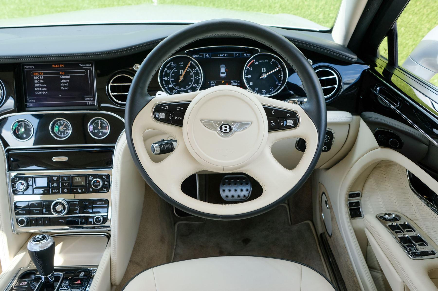 Bentley Mulsanne 6.8 V8 Mulliner Driving Spec - Naim For Bentley Premium Audio image 15