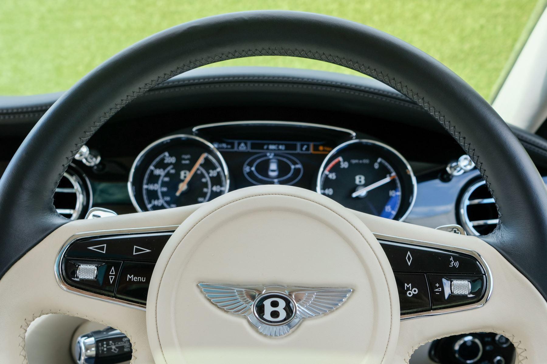Bentley Mulsanne 6.8 V8 Mulliner Driving Spec - Naim For Bentley Premium Audio image 16