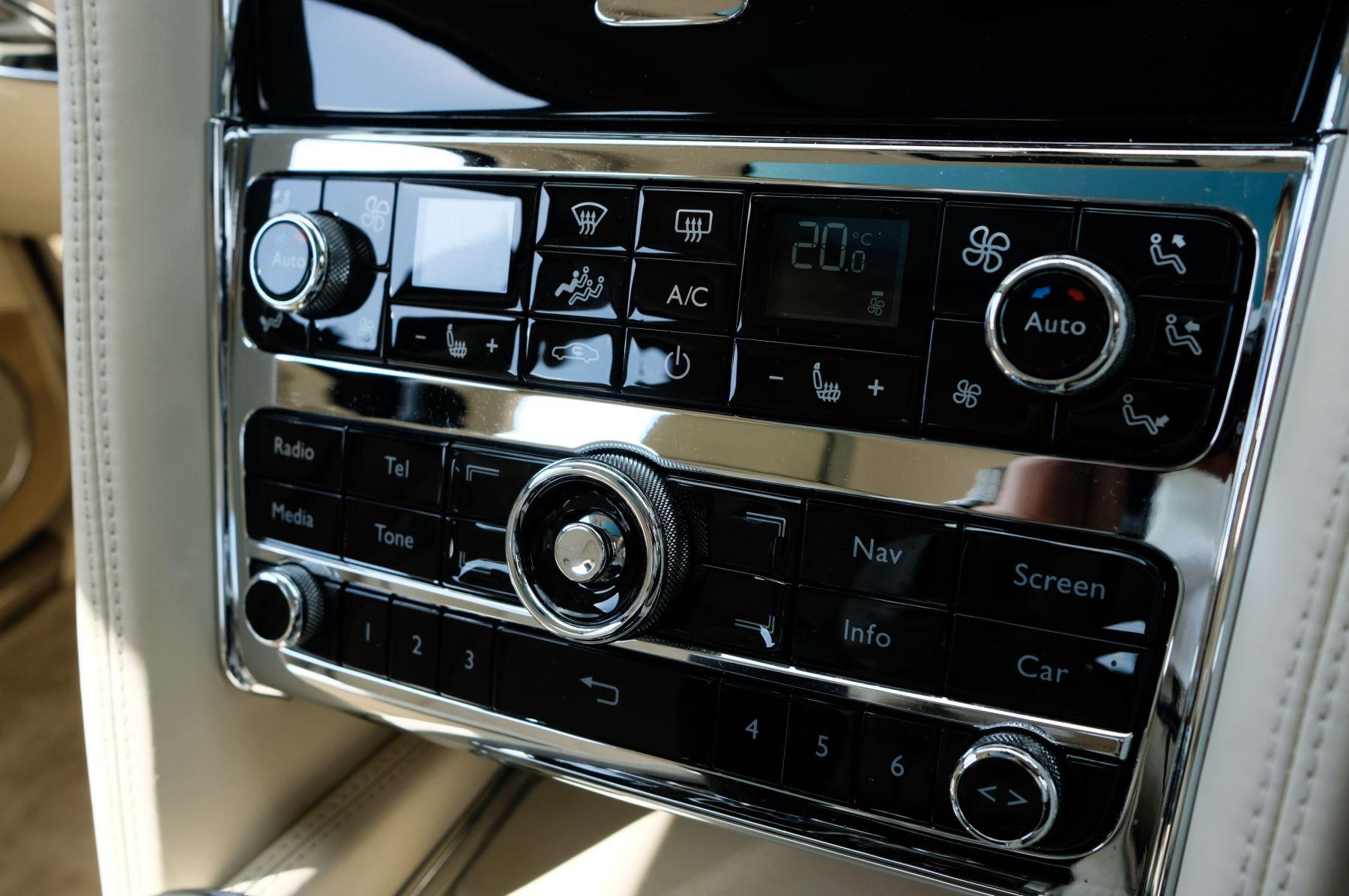Bentley Mulsanne 6.8 V8 Mulliner Driving Spec - Naim For Bentley Premium Audio image 26