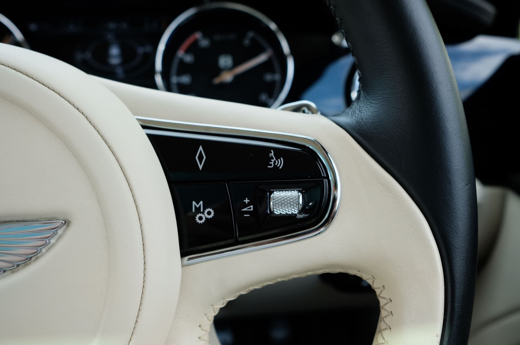 Bentley Mulsanne 6.8 V8 Mulliner Driving Spec - Naim For Bentley Premium Audio image 29