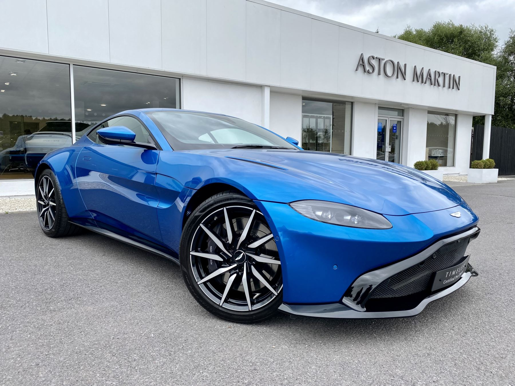 Aston Martin New Vantage 2dr ZF 8 Speed Auto. 4.0 Twin Turbo ZF Gearbox  Reversing Camera Heated Seats  Automatic 3 door Coupe