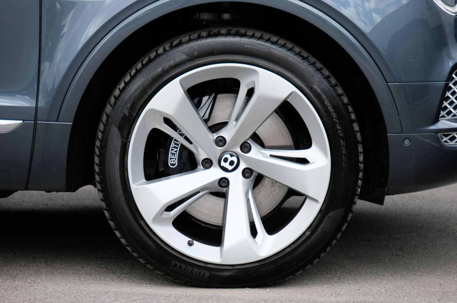 Bentley Bentayga 4.0 V8 5dr - Mulliner Driving Specification - City & Tour Specification image 11