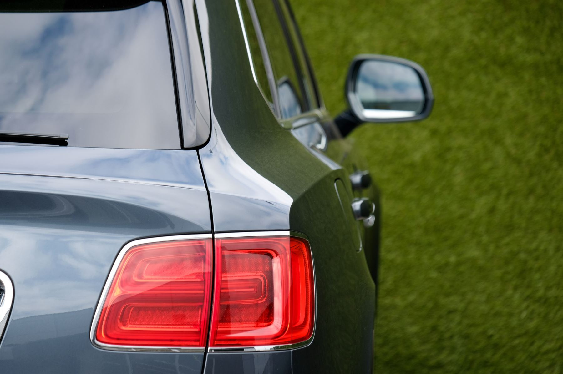 Bentley Bentayga 4.0 V8 5dr - Mulliner Driving Specification - City & Tour Specification image 8