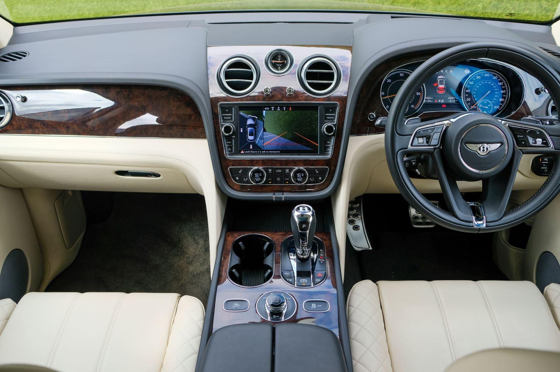 Bentley Bentayga 4.0 V8 5dr - Mulliner Driving Specification - City & Tour Specification image 14