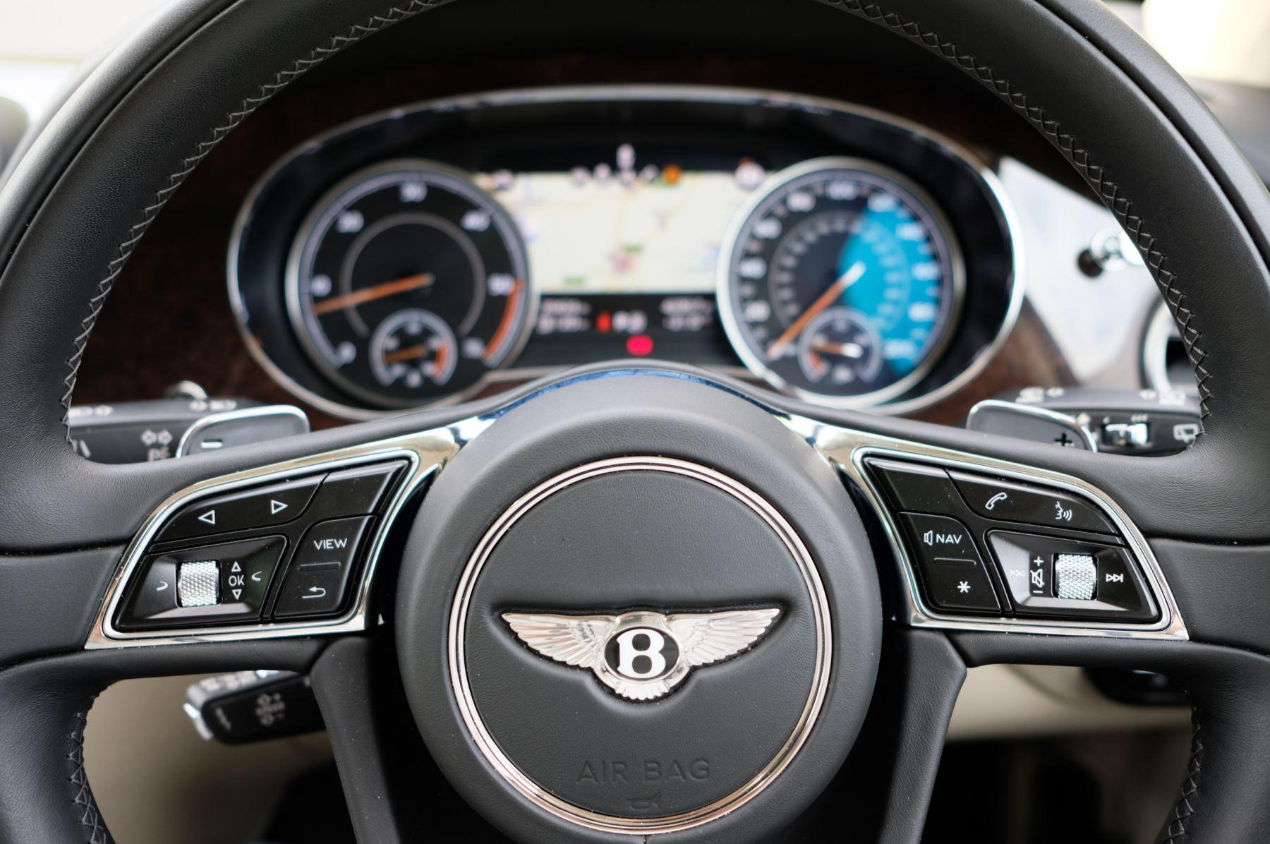 Bentley Bentayga 4.0 V8 5dr - Mulliner Driving Specification - City & Tour Specification image 16