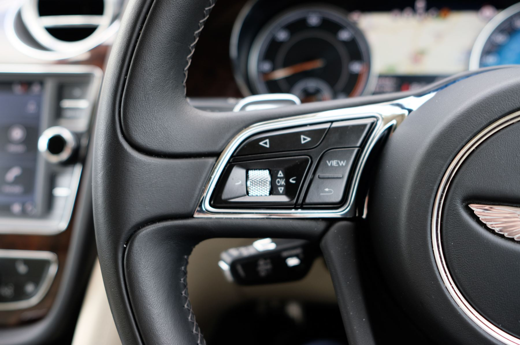 Bentley Bentayga 4.0 V8 5dr - Mulliner Driving Specification - City & Tour Specification image 25