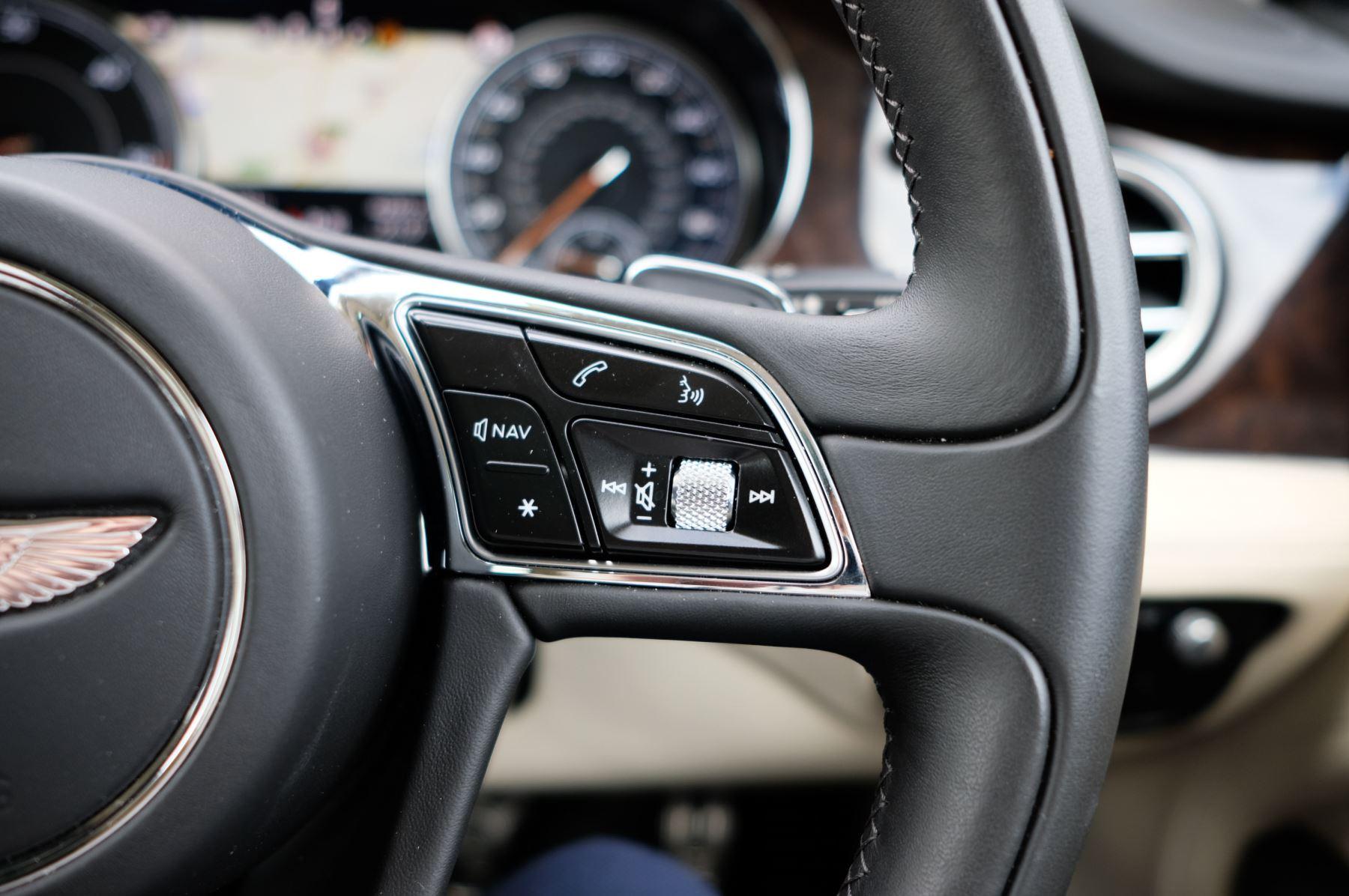 Bentley Bentayga 4.0 V8 5dr - Mulliner Driving Specification - City & Tour Specification image 26