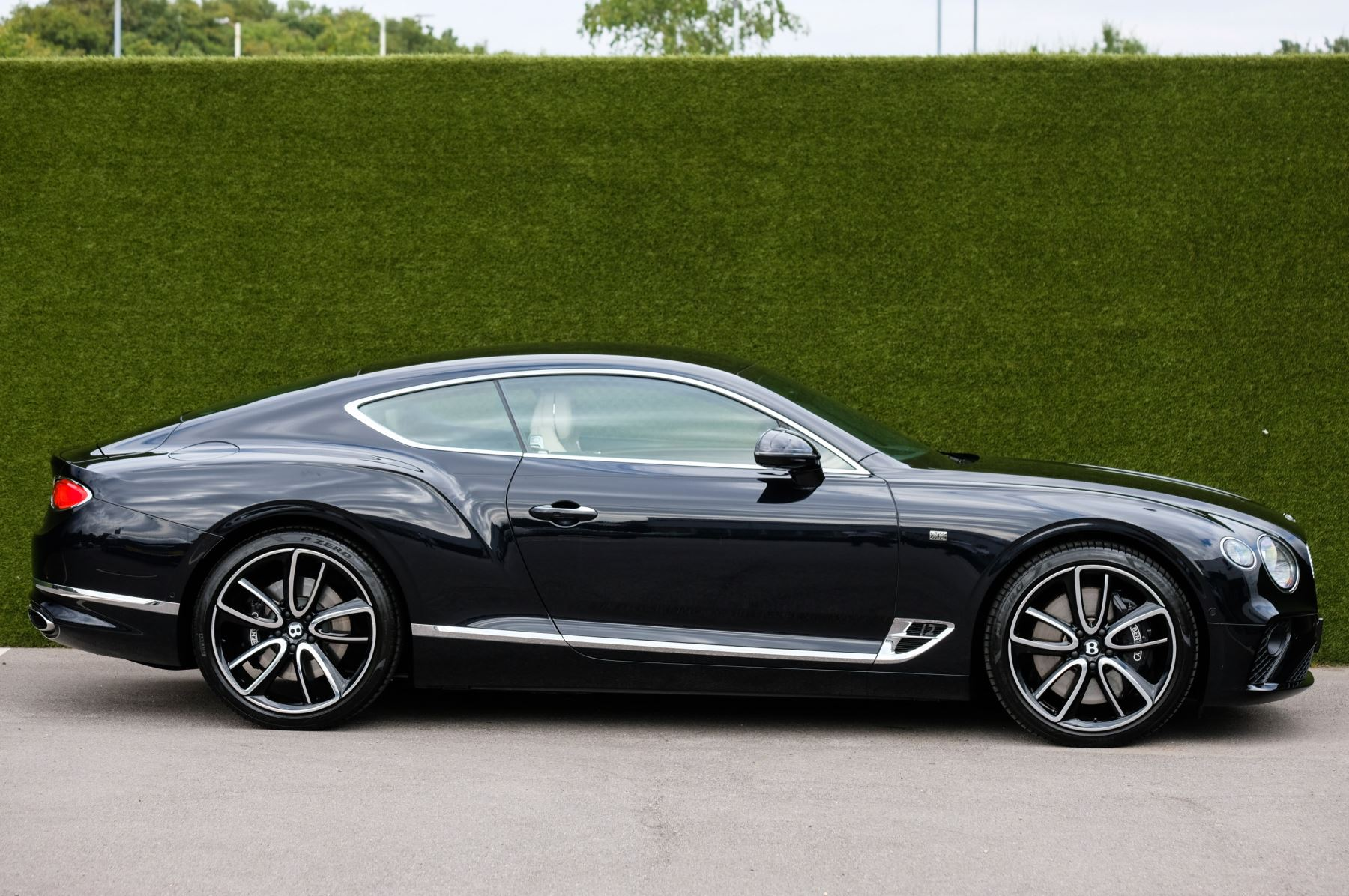 Bentley Continental GT 6.0 W12 1st Edition - Comfort Seating - Touring Specification image 3