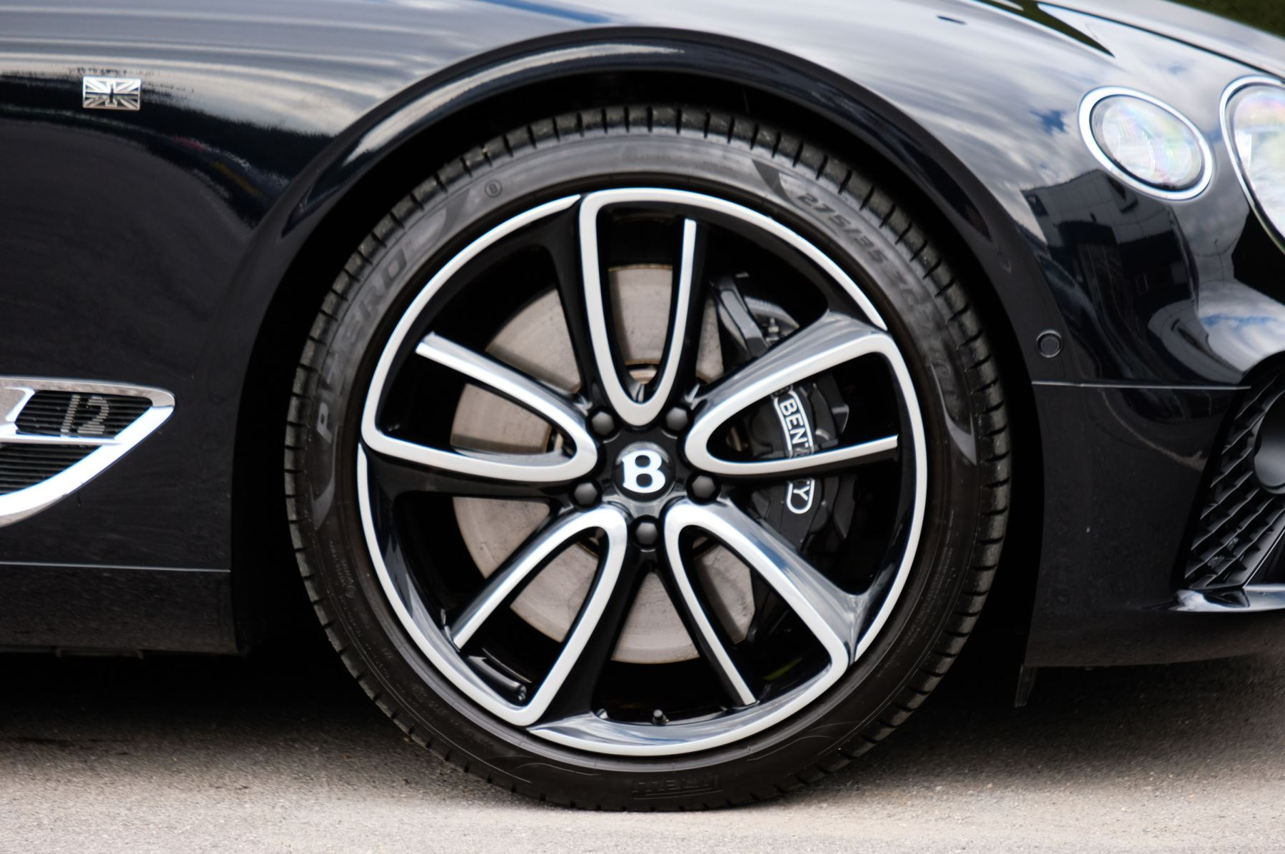 Bentley Continental GT 6.0 W12 1st Edition - Comfort Seating - Touring Specification image 11
