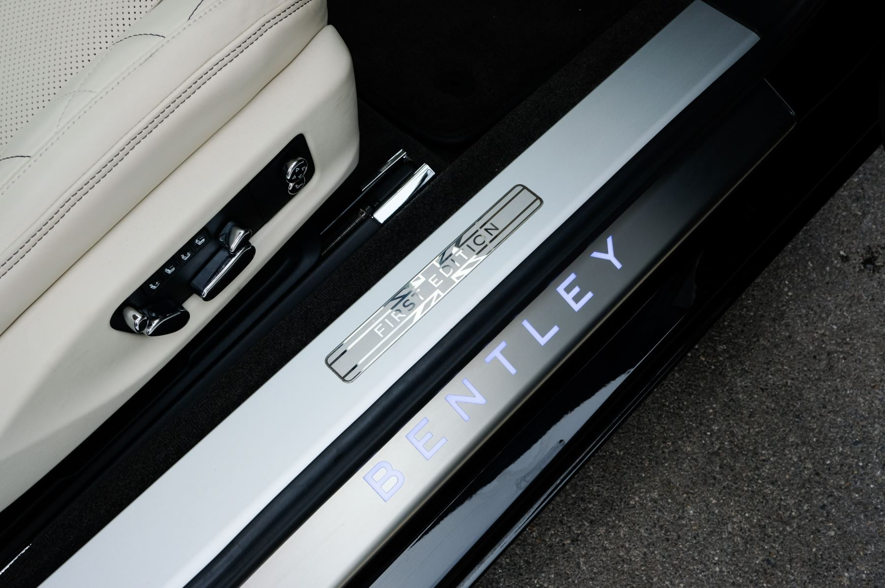 Bentley Continental GT 6.0 W12 1st Edition - Comfort Seating - Touring Specification image 18