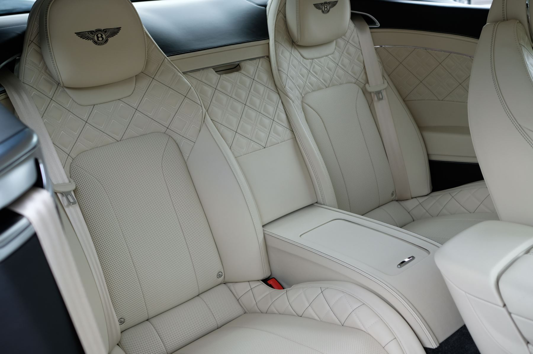 Bentley Continental GT 6.0 W12 1st Edition - Comfort Seating - Touring Specification image 14