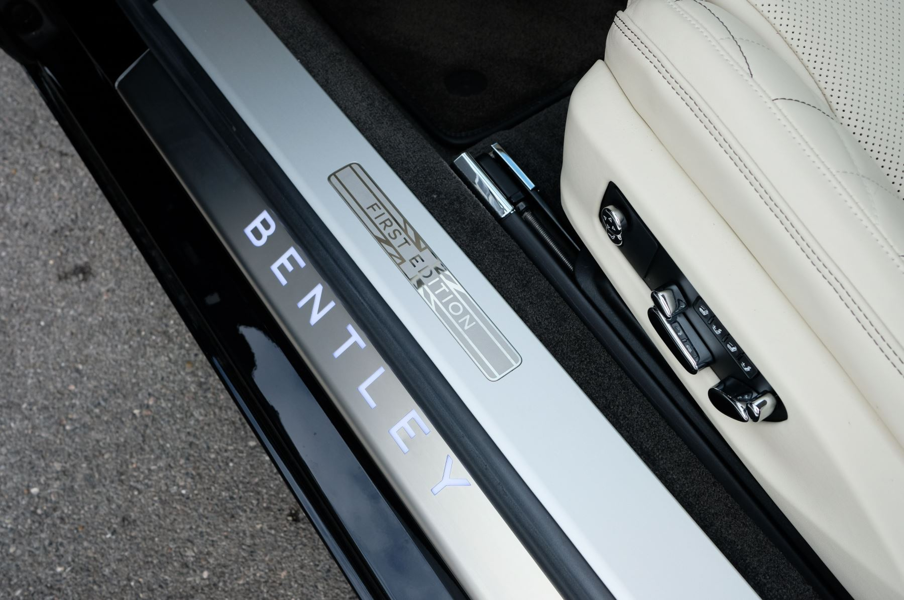 Bentley Continental GT 6.0 W12 1st Edition - Comfort Seating - Touring Specification image 21