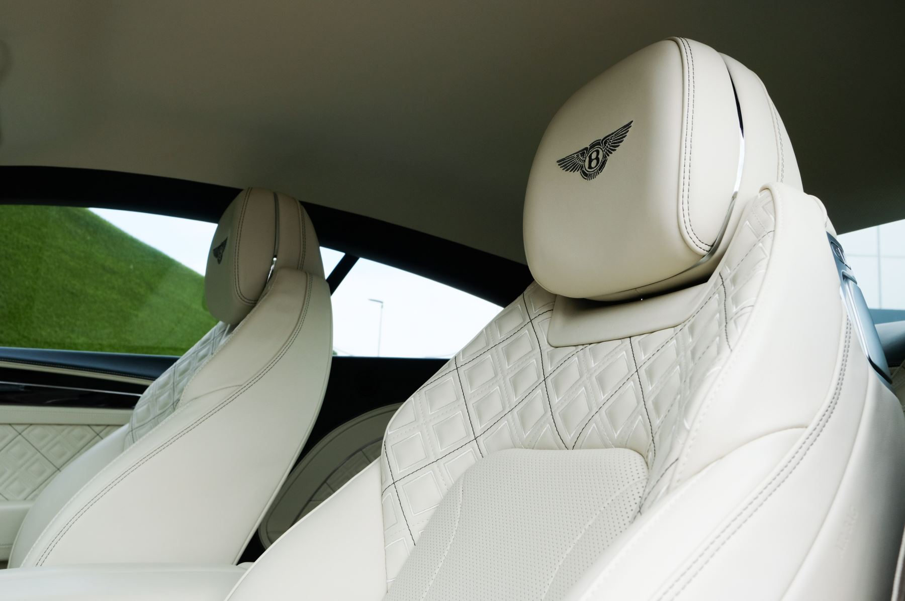 Bentley Continental GT 6.0 W12 1st Edition - Comfort Seating - Touring Specification image 23