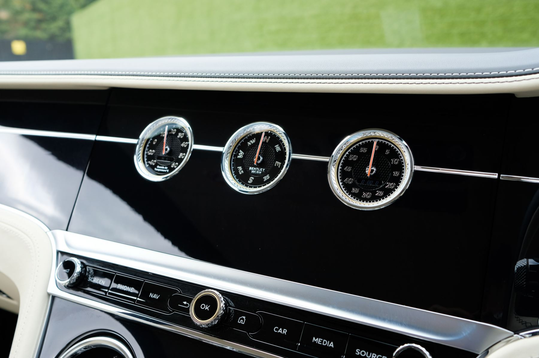 Bentley Continental GT 6.0 W12 1st Edition - Comfort Seating - Touring Specification image 32