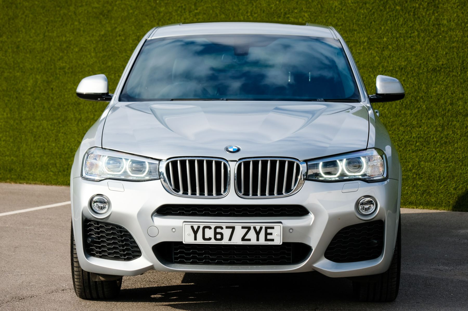 BMW X4 xDrive30d M Sport 5dr Step - M Sport Plus Package - Interior Comfort Package - Elec Glass Sunroof -  image 2