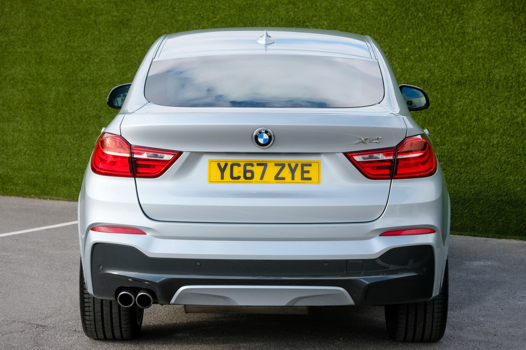 BMW X4 xDrive30d M Sport 5dr Step - M Sport Plus Package - Interior Comfort Package - Elec Glass Sunroof -  image 4