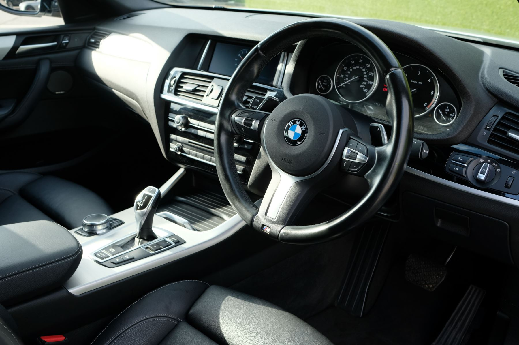 BMW X4 xDrive30d M Sport 5dr Step - M Sport Plus Package - Interior Comfort Package - Elec Glass Sunroof -  image 9