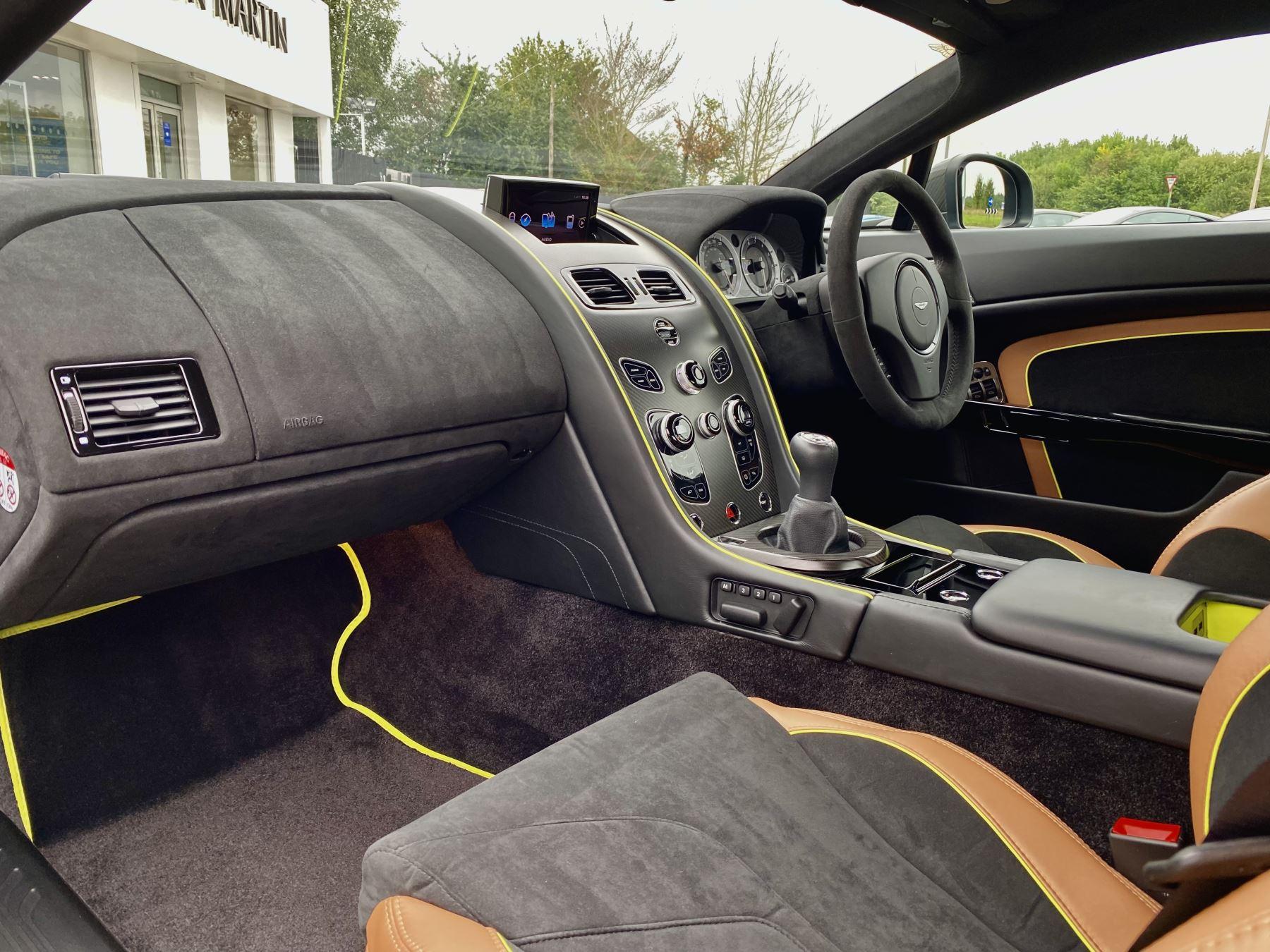 Aston Martin Vantage AMR AMR 2dr Manual  image 24