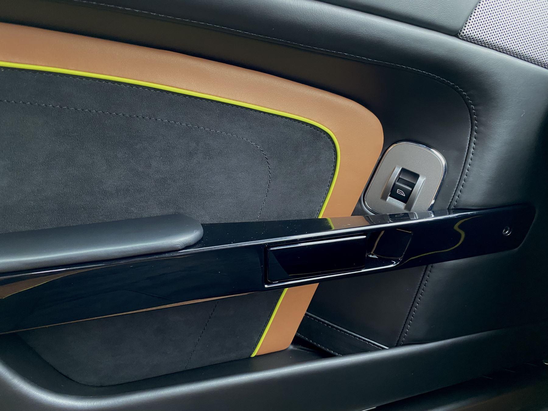 Aston Martin Vantage AMR AMR 2dr Manual  image 26