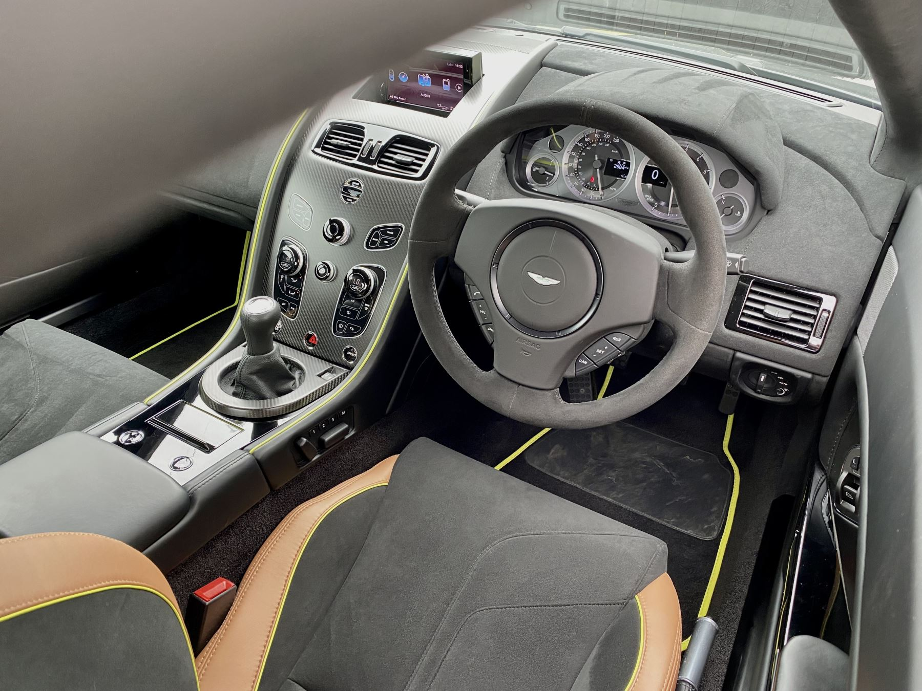 Aston Martin Vantage AMR AMR 2dr Manual  image 22