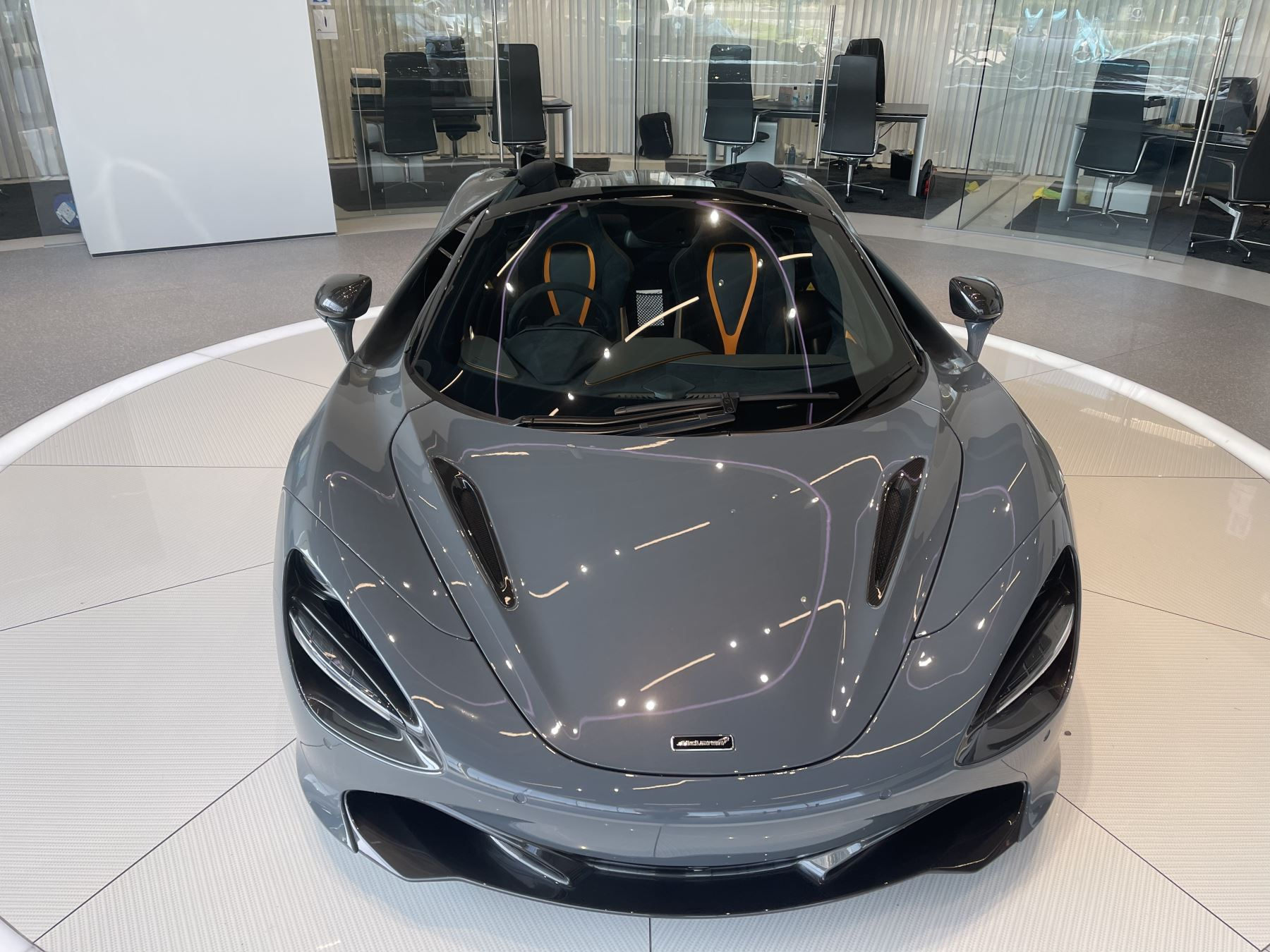 McLaren 720S Spider V8 2 DR PERFORMANCE VERY RARE COLOUR AND FULL CAR PPF image 3