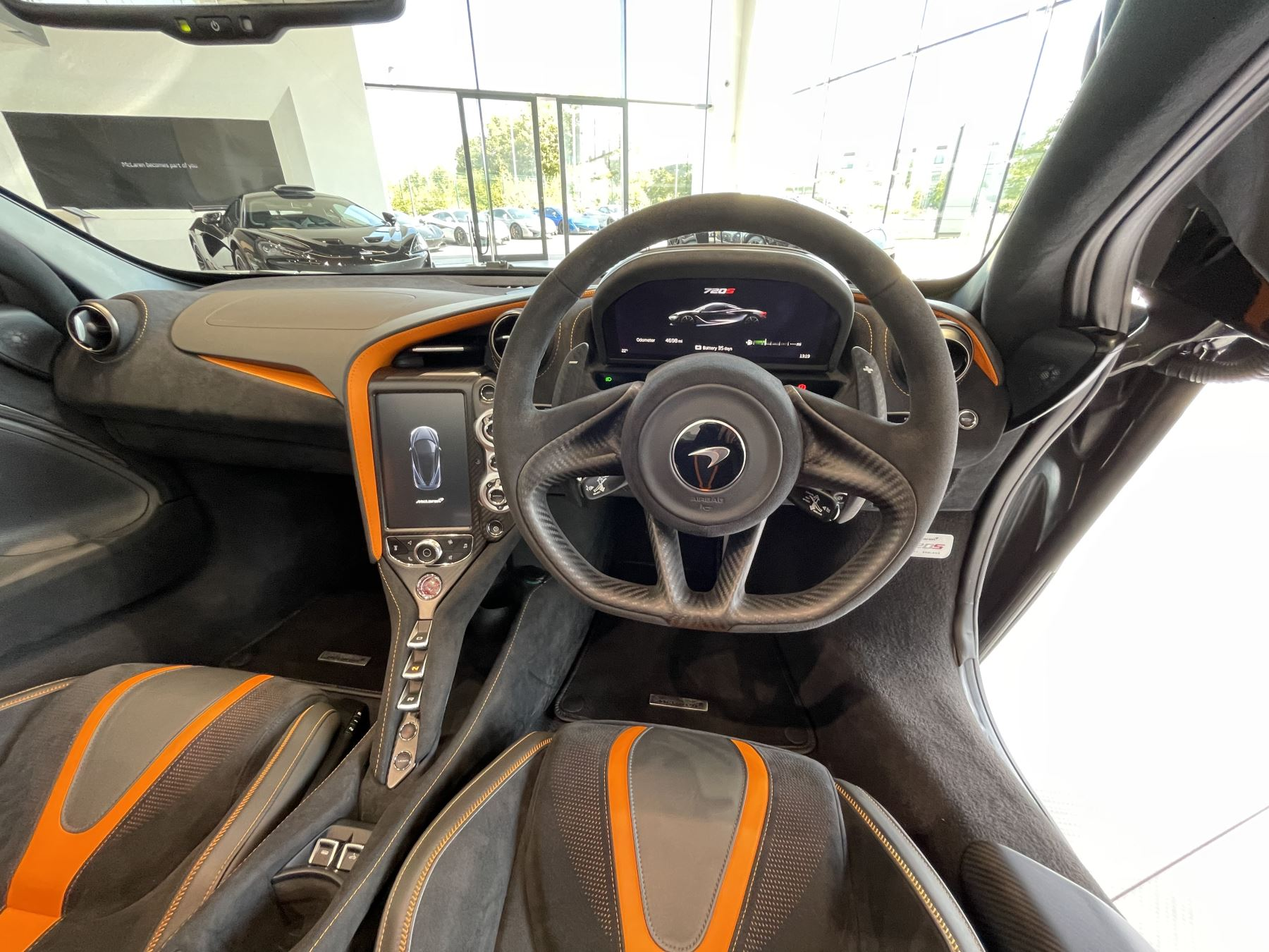 McLaren 720S Spider V8 2 DR PERFORMANCE VERY RARE COLOUR AND FULL CAR PPF image 14